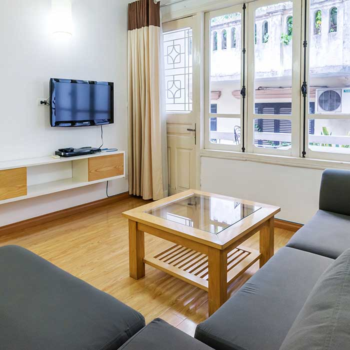 Traditional wooden style with Whole floor Apt. 1BR/1BT Inside Elevator