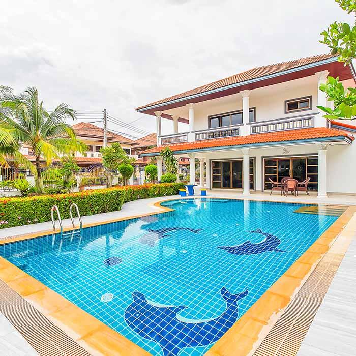 Vast Green Garden Pool Villa 5 BR
