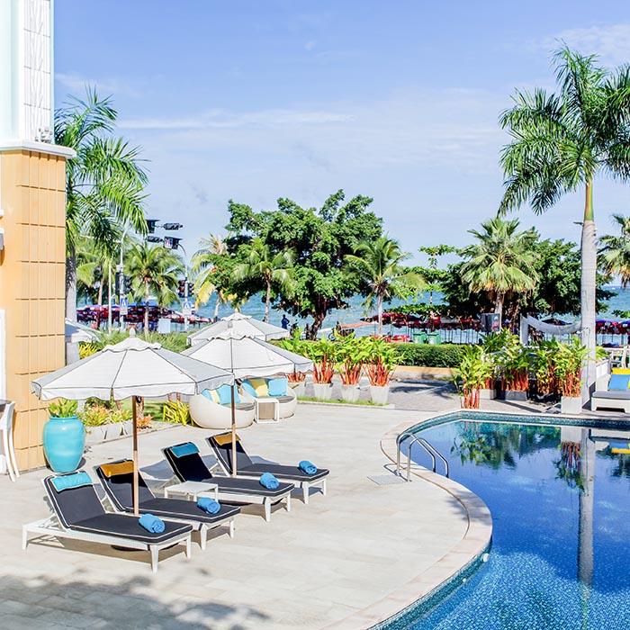 South Beach Resort | 5 Star 20 BR Next to Beach