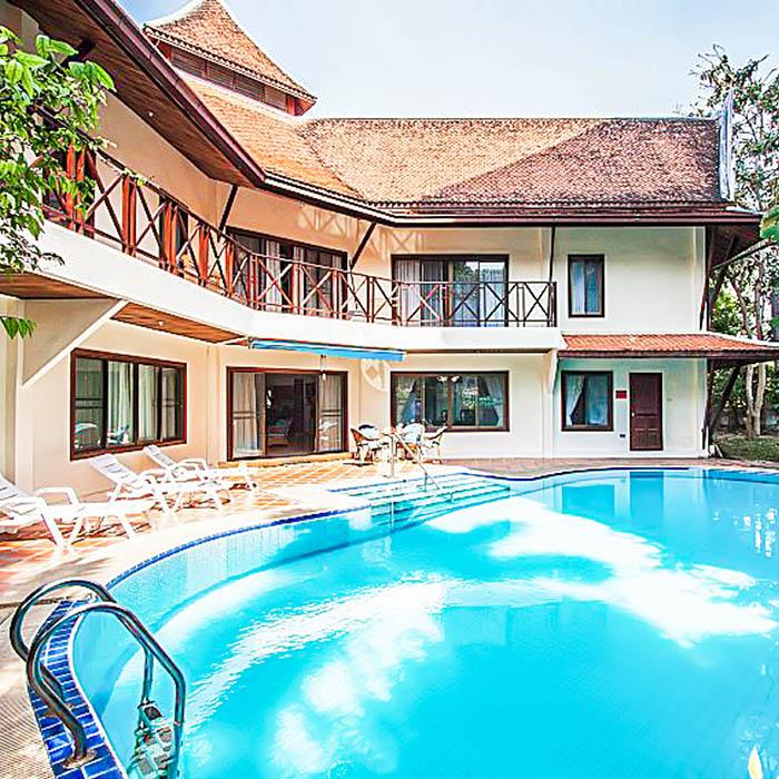 Teak Villa 5 Bedroom Near Beach