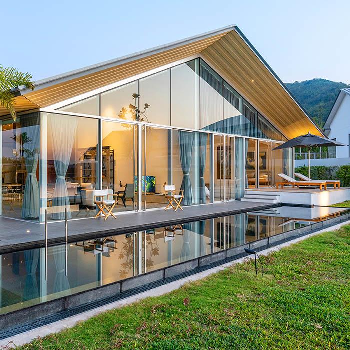 8 Bedrooms Pool Villa